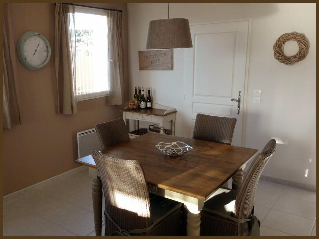 Gezellig tafelen in de keuken